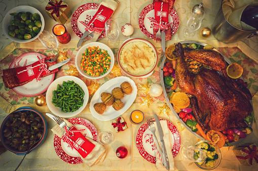 Stuffed Turkey「Table set up for Christmas Dinner」:スマホ壁紙(3)