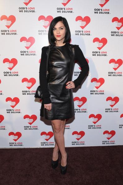 Shoulder Bag「Michael Kors- Golden Heart Gala - Arrivals」:写真・画像(19)[壁紙.com]