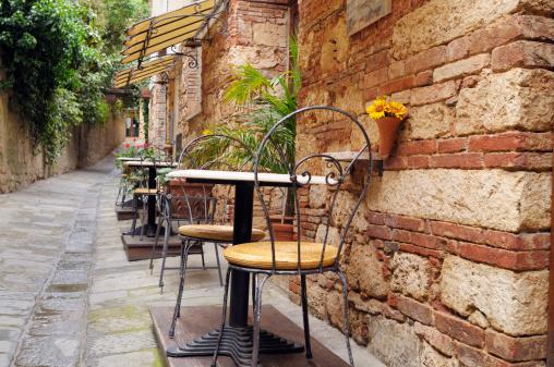 イタリア文化「ビンテージレストランでイタリアアレイ」:スマホ壁紙(15)