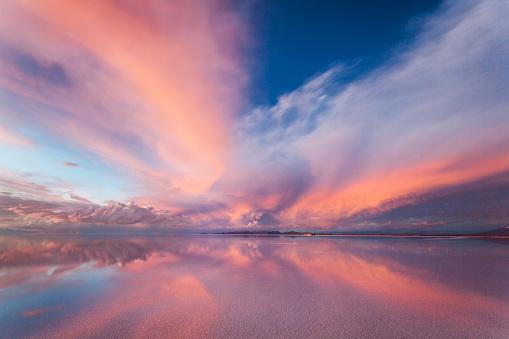 塩湖「Salar Glow」:スマホ壁紙(5)