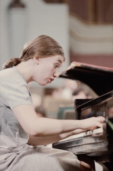 Classical Musician「Viktoria Postnikova」:写真・画像(2)[壁紙.com]