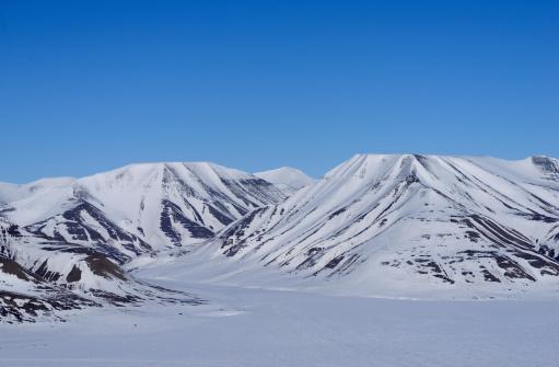 Svalbard and Jan Mayen「Arctic mountains」:スマホ壁紙(19)