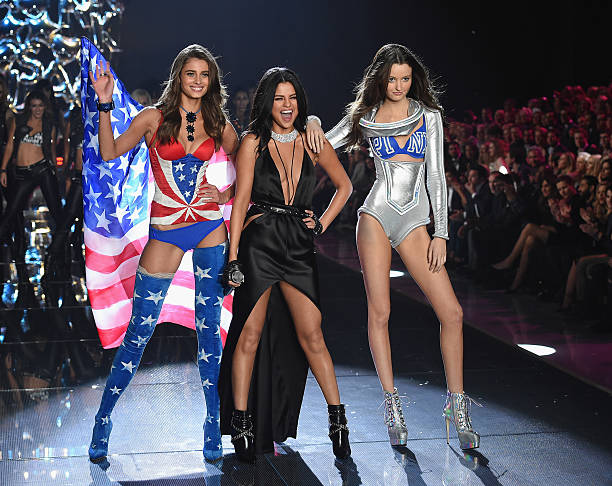2015 Victoria's Secret Fashion Show - Show:ニュース(壁紙.com)