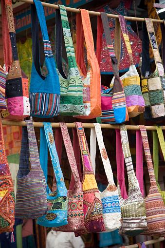 Rajasthan「Colorful Bags in Market, Jaipur, India」:スマホ壁紙(5)