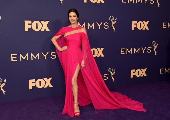 イブニングドレス「71st Emmy Awards - Arrivals」:写真・画像(2)[壁紙.com]