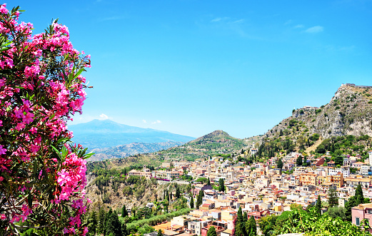 Active Volcano「Taormina, Sicily」:スマホ壁紙(4)