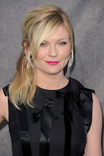 Kirsten Dunst「17th Annual Critics' Choice Movie Awards - Arrivals」:写真・画像(17)[壁紙.com]