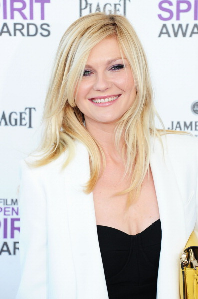 Kirsten Dunst「2012 Film Independent Spirit Awards - Arrivals」:写真・画像(1)[壁紙.com]