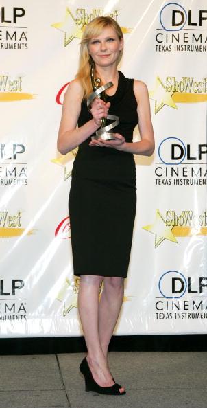 Kirsten Dunst「ShoWest 2007 Awards Ceremony - Photocall」:写真・画像(15)[壁紙.com]