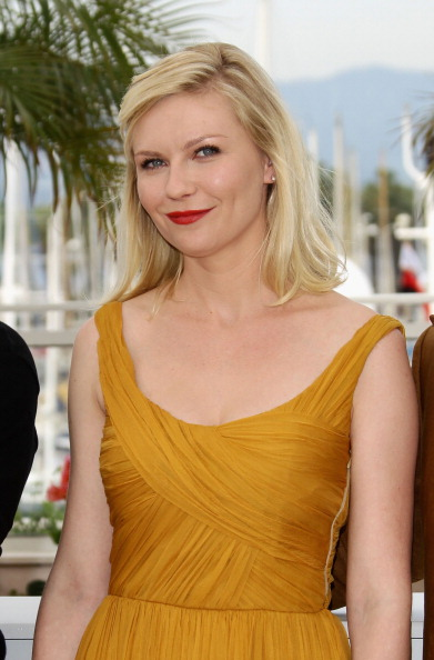 "Kirsten Dunst「""Melancholia"" Photocall - 64th Annual Cannes Film Festival」:写真・画像(11)[壁紙.com]"