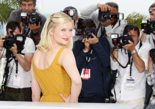 "Kirsten Dunst「""Melancholia"" Photocall - 64th Annual Cannes Film Festival」:写真・画像(17)[壁紙.com]"