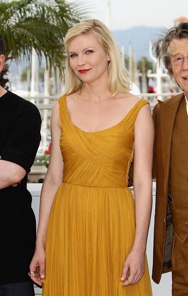 "Kirsten Dunst「""Melancholia"" Photocall - 64th Annual Cannes Film Festival」:写真・画像(4)[壁紙.com]"