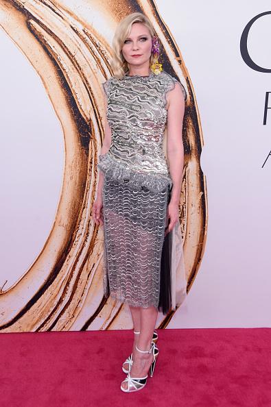 Kirsten Dunst「2016 CFDA Fashion Awards - Arrivals」:写真・画像(8)[壁紙.com]