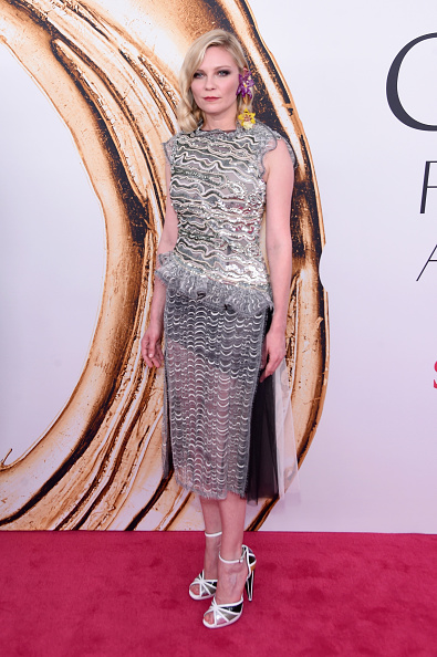 Kirsten Dunst「2016 CFDA Fashion Awards - Arrivals」:写真・画像(10)[壁紙.com]
