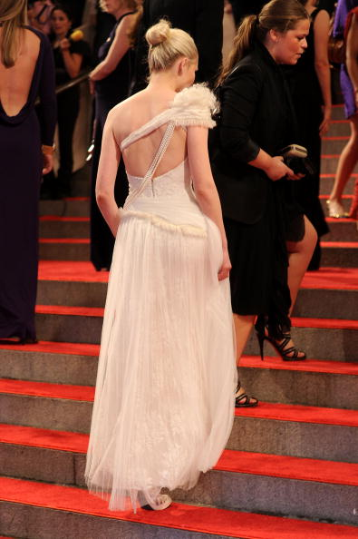 "Kirsten Dunst「""American Woman: Fashioning A National Identity"" Met Gala - Arrivals」:写真・画像(13)[壁紙.com]"