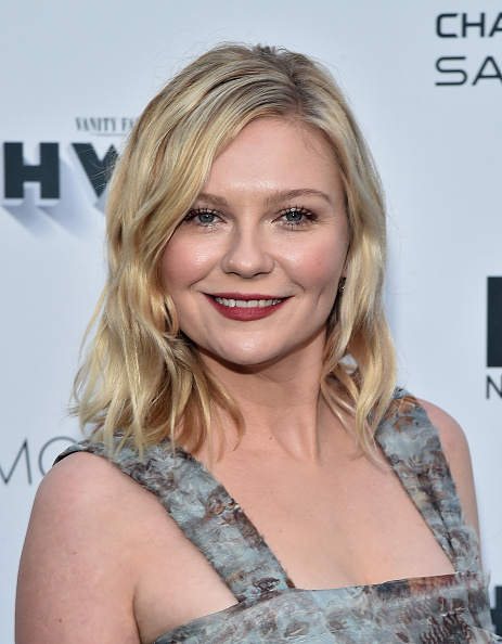 Kirsten Dunst「Vanity Fair And FX's Annual Primetime Emmy Nominations Party - Arrivals」:写真・画像(14)[壁紙.com]