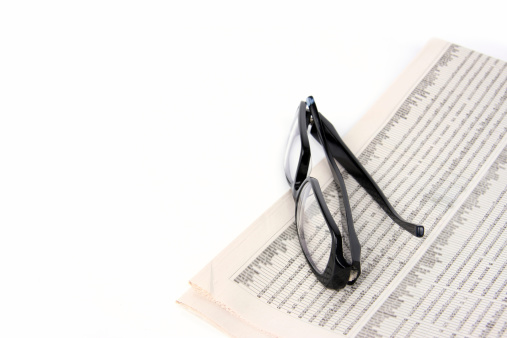 Optometrist「Newspaper Reading」:スマホ壁紙(19)