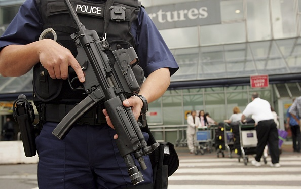 Terrorism「Passengers Face Airport Delays Following Airline Terror Alert」:写真・画像(7)[壁紙.com]