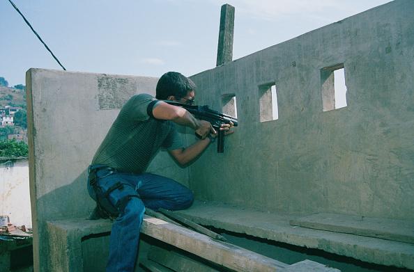 Shooting - Crime「Armed Police In Rio」:写真・画像(13)[壁紙.com]