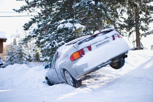 Accidents and Disasters「USA, Montana, Car buried in snow」:スマホ壁紙(8)