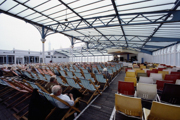 Travel Destinations「Seaside Entertainment」:写真・画像(16)[壁紙.com]