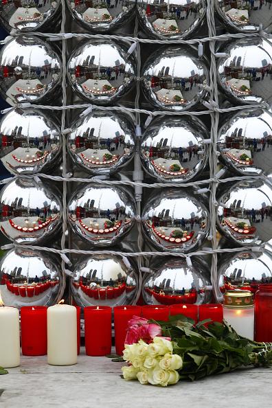 Christmas Decoration「Lorry Truck Drives Through Christmas Market In Berlin」:写真・画像(5)[壁紙.com]