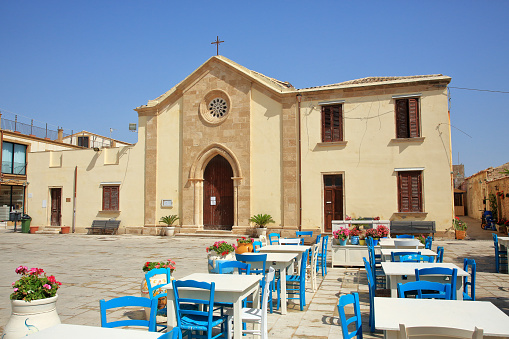 St「The church of St Francis of Paolo in Regina Margharita square in Marzamemi, Sicily.」:スマホ壁紙(11)