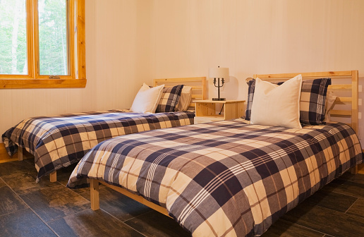Duvet「Single beds with blue, white and grey tartan bedspreads」:スマホ壁紙(19)