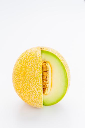 メロン「Galia melon, with a slice cut out」:スマホ壁紙(12)