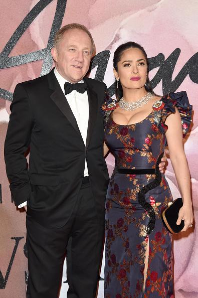 Husband「The Fashion Awards 2016 - Red Carpet Arrivals」:写真・画像(10)[壁紙.com]