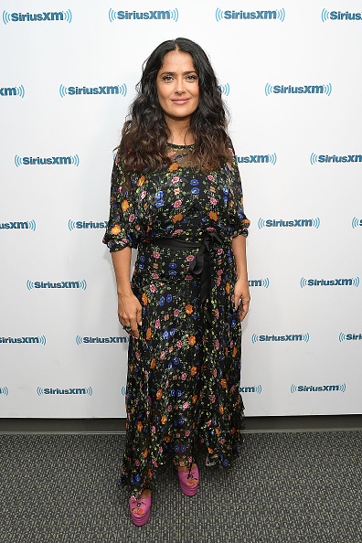 俳優「Salma Hayek Visits The SiriusXM Studios In Los Angeles」:写真・画像(5)[壁紙.com]