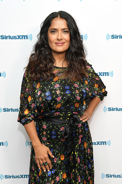 俳優「Salma Hayek Visits The SiriusXM Studios In Los Angeles」:写真・画像(7)[壁紙.com]