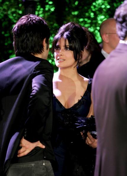 V-Neck「Vanity Fair Oscar Party - Arrivals」:写真・画像(12)[壁紙.com]