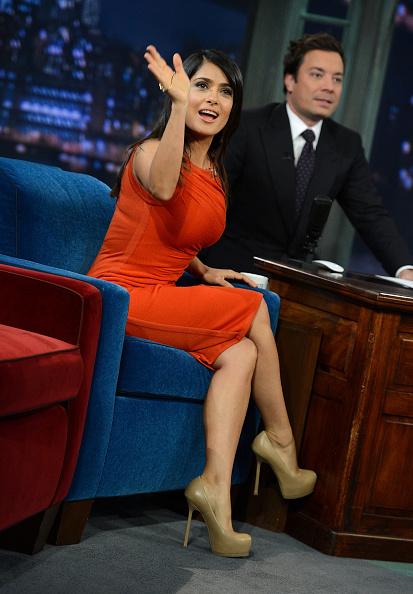 "High Heels「Salma Hayek Pinault Visits ""Late Night With Jimmy Fallon""」:写真・画像(17)[壁紙.com]"