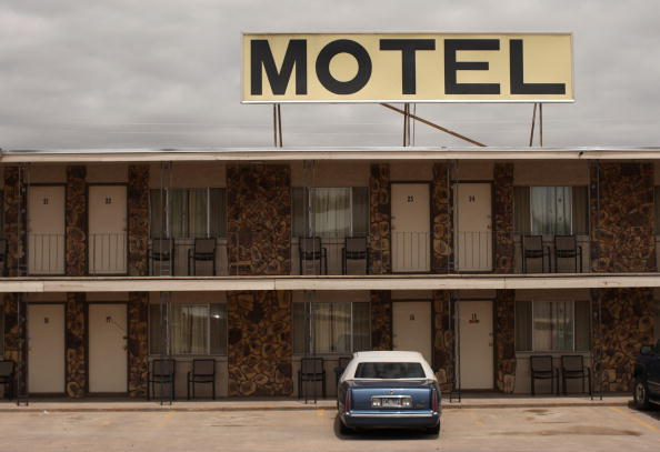 Motel「On the Road 50 Years Later」:写真・画像(1)[壁紙.com]