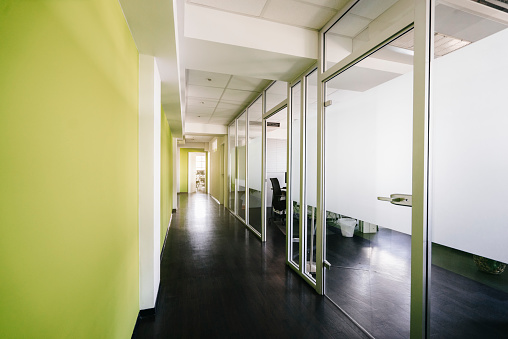 Entrance「Corridor in an office building」:スマホ壁紙(10)