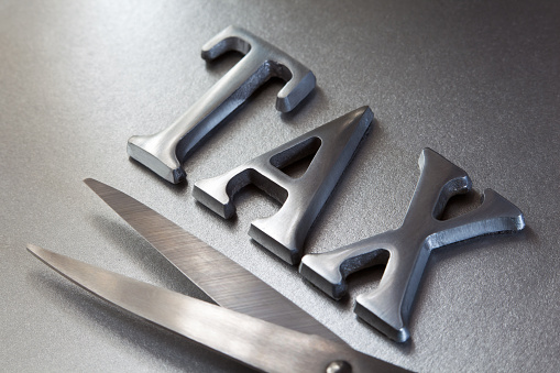 Tax「Steel letters and scissors representing tax cuts」:スマホ壁紙(19)