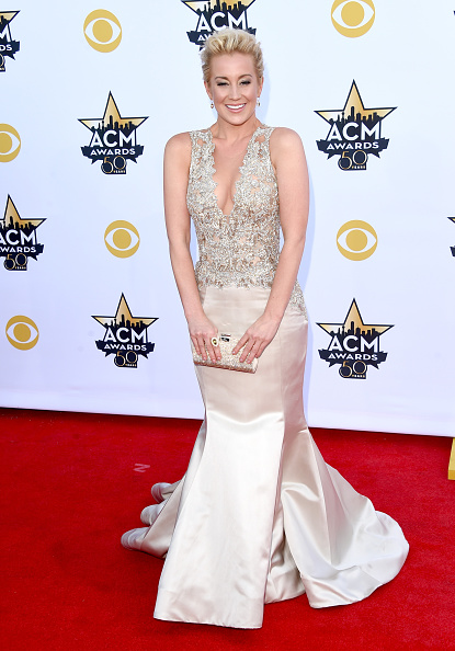 T 「50th Academy Of Country Music Awards - Arrivals」:写真・画像(16)[壁紙.com]