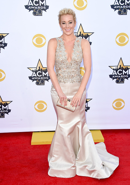 T 「50th Academy Of Country Music Awards - Arrivals」:写真・画像(15)[壁紙.com]