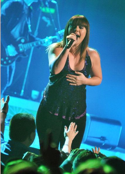 Mike Coppola「Kelly Clarkson In Concert」:写真・画像(1)[壁紙.com]