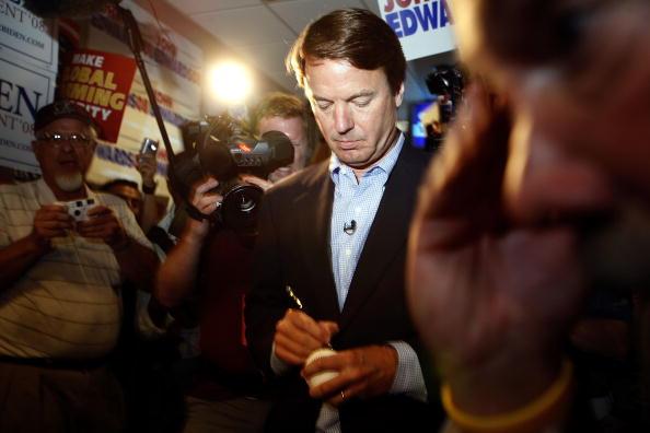 野球「Democratic Presidential Candidates Attend Iowa Dinner」:写真・画像(9)[壁紙.com]