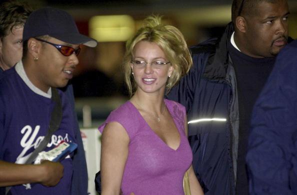 Necklace「Britney Spears Leaves Sydney For Los Angeles」:写真・画像(18)[壁紙.com]