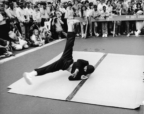 Leo Vals「Breakdancing On The Street」:写真・画像(8)[壁紙.com]