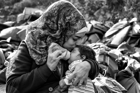 Surrounding「Refugees On Lesbos」:写真・画像(4)[壁紙.com]