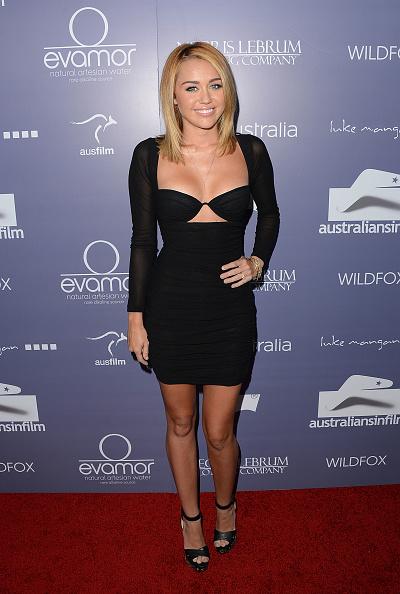 黒「Australians In Film Awards & Benefit Dinner 2012 - Arrivals」:写真・画像(19)[壁紙.com]