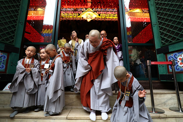 Buddhism「Children Become Buddhist Monks In Seoul」:写真・画像(14)[壁紙.com]