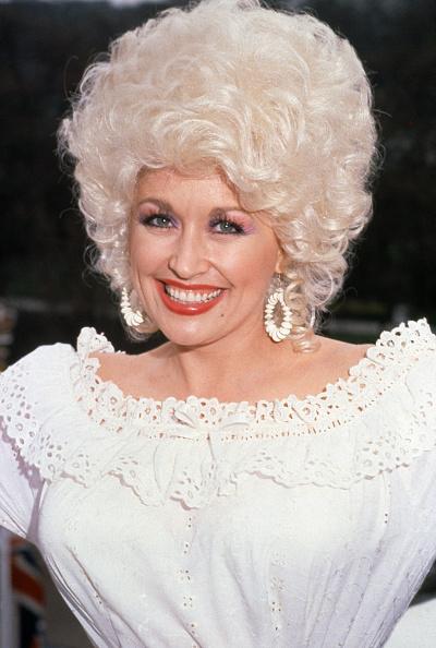 Curly Hair「Dolly Parton」:写真・画像(17)[壁紙.com]