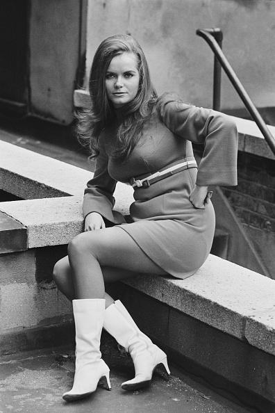女性歌手「Jeannie C. Riley」:写真・画像(12)[壁紙.com]