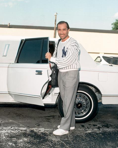 Vehicle Door「Lee Greenwood At Limo Door」:写真・画像(15)[壁紙.com]