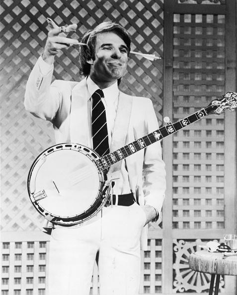 Comedian「Steve Martin Wearing Gag Arrow」:写真・画像(2)[壁紙.com]